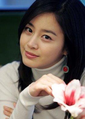 Foto cantik Kim Tae-hee - Artis Korea Selatan