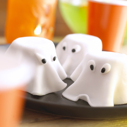 marshmallow ghost cupcakes chocolate marshmallow ghost cake and mini ...