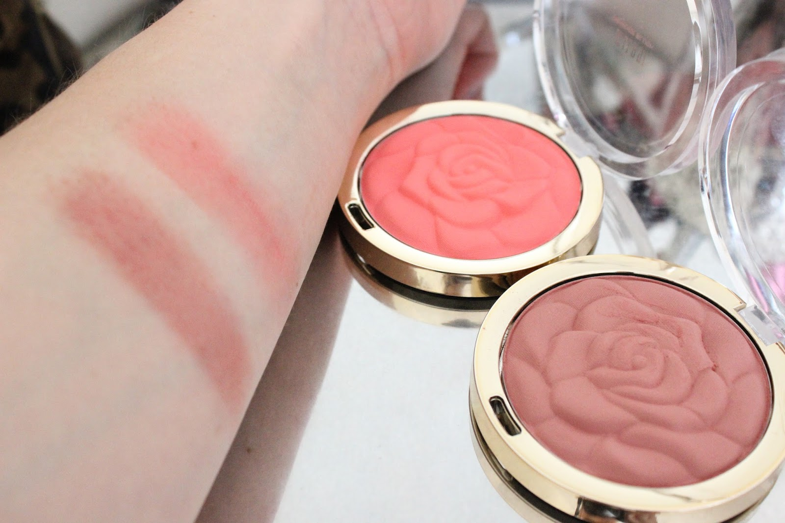 Milani Rose Powder Blush in Romantic Rose and Coral Cove
