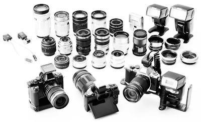 Fotografia degli obiettivi ed accessori disponibili per l'Olympus E-M5