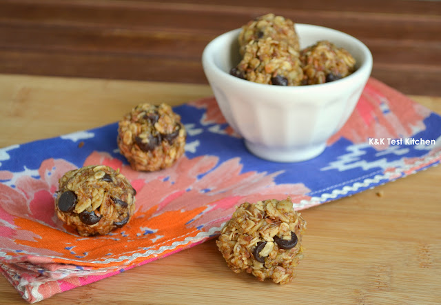 almond butter trailmix balls recipe