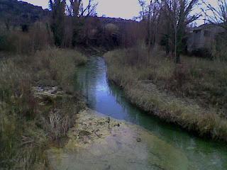 Camino Ras Vals en Castillazuelo (Somontano, Huesca, Aragón, España)