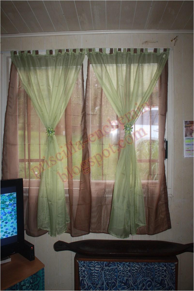 en chemin de nouveaux rideaux pour le salon. Black Bedroom Furniture Sets. Home Design Ideas
