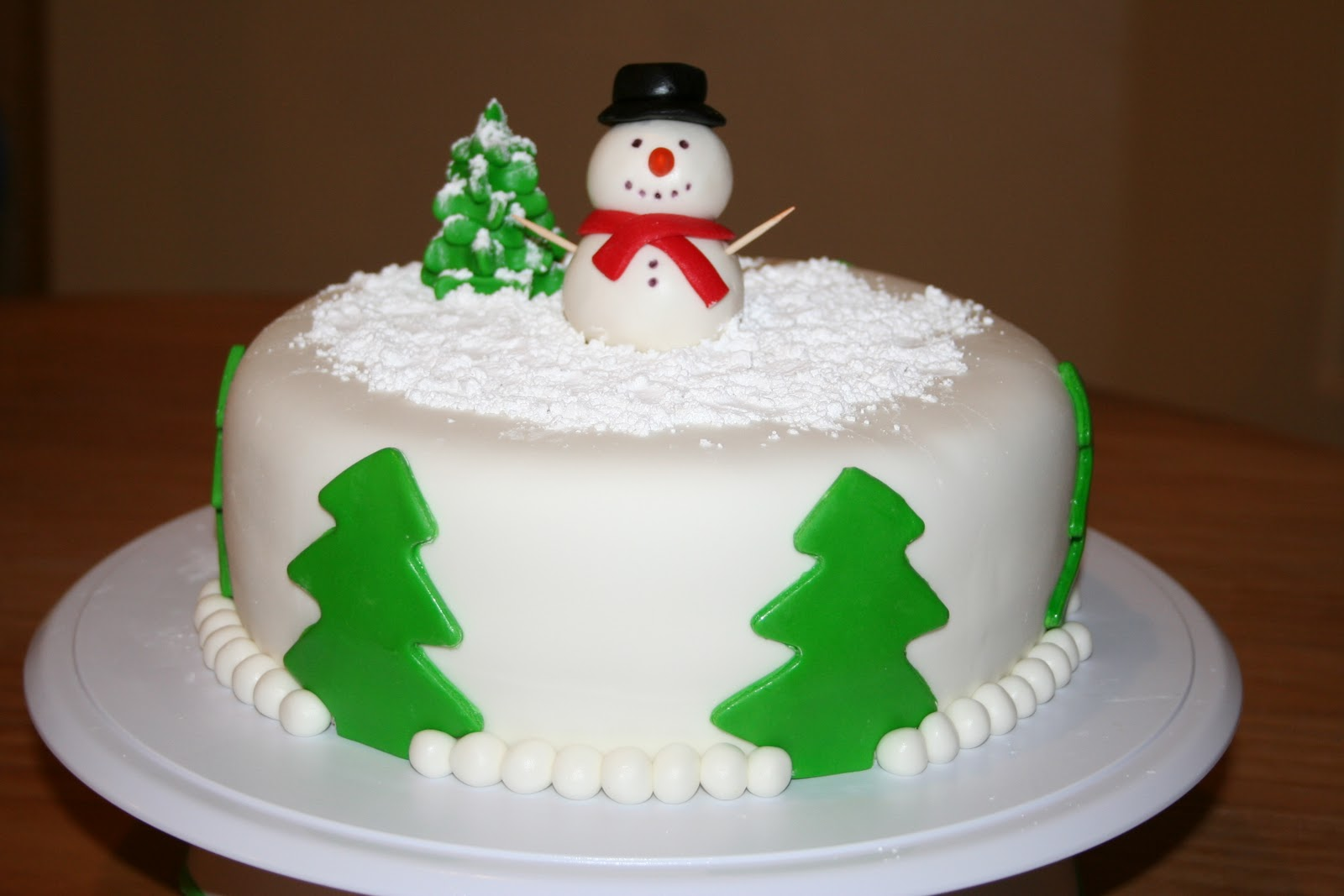 Christmas Cake Decoration Snowman : Cakes by Nicola: Frosty the Snowman Cake