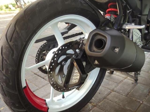 Modifikasi Yamaha Byson FZ1 The Baby Monster ala Byson