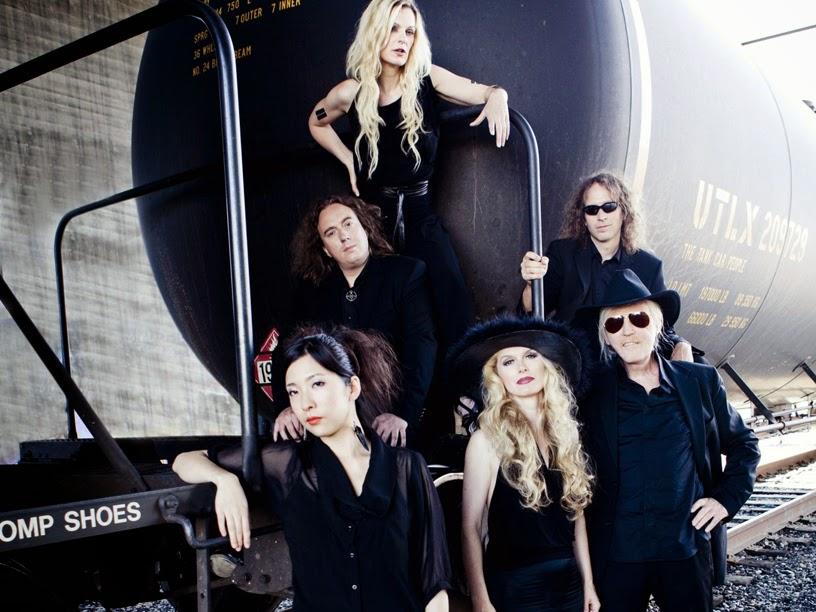 Tangerine Dream : Hoshiko Yamane, Thorsten Quaeschning, Iris Camaa, Linda Spa, Bernhard Beibl, Edgar Froese / source : Veryshow