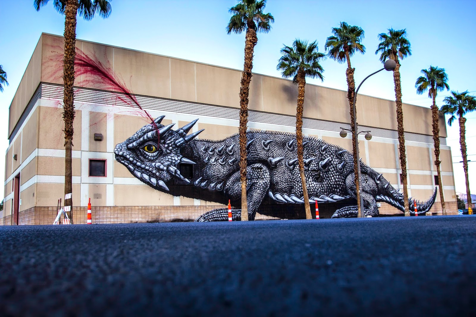 Late last night, our friend ROA wrapped up his newest mural on the streets of Downtown Las Vegas for the upcoming Life Is Beautiful 2014 Festival.