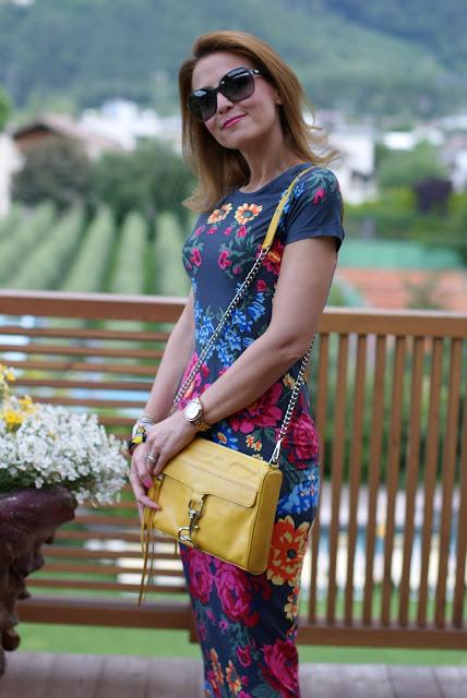 Asos bodycon dress, MAC yellow bag, Fashion and Cookies