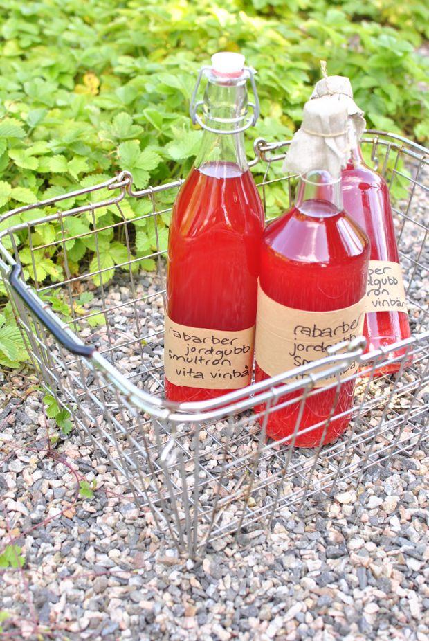 blandsaft saftmaja rabarber jordgubb smultron vita vinbär