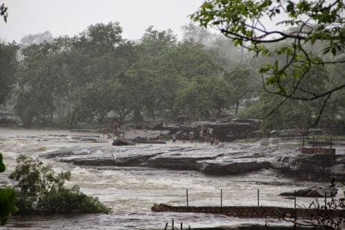 Chandraparbha River flow: Naugarh-Chandauli