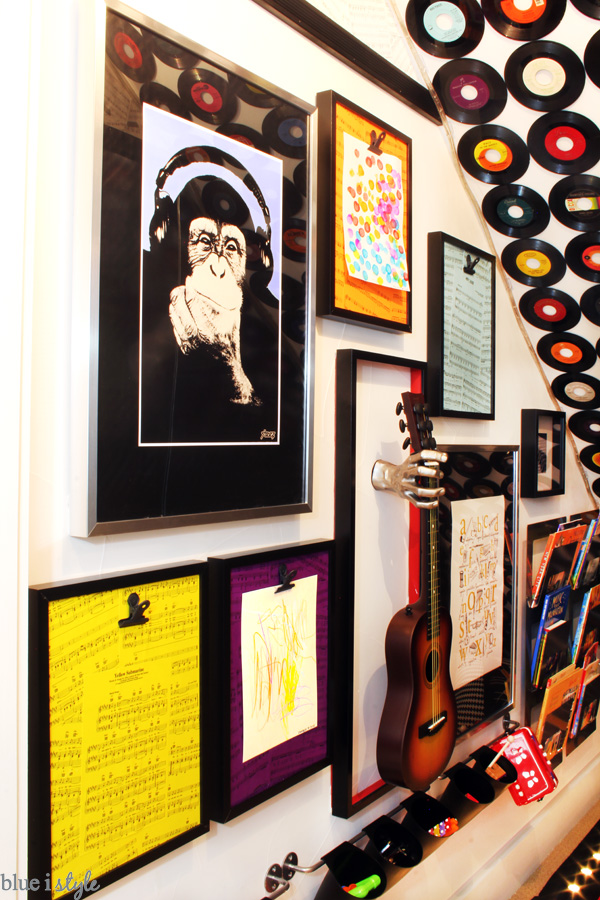 these musical art display boards are so easy to make and would look great with any any kind of patterned paper if sheet music is not your thing