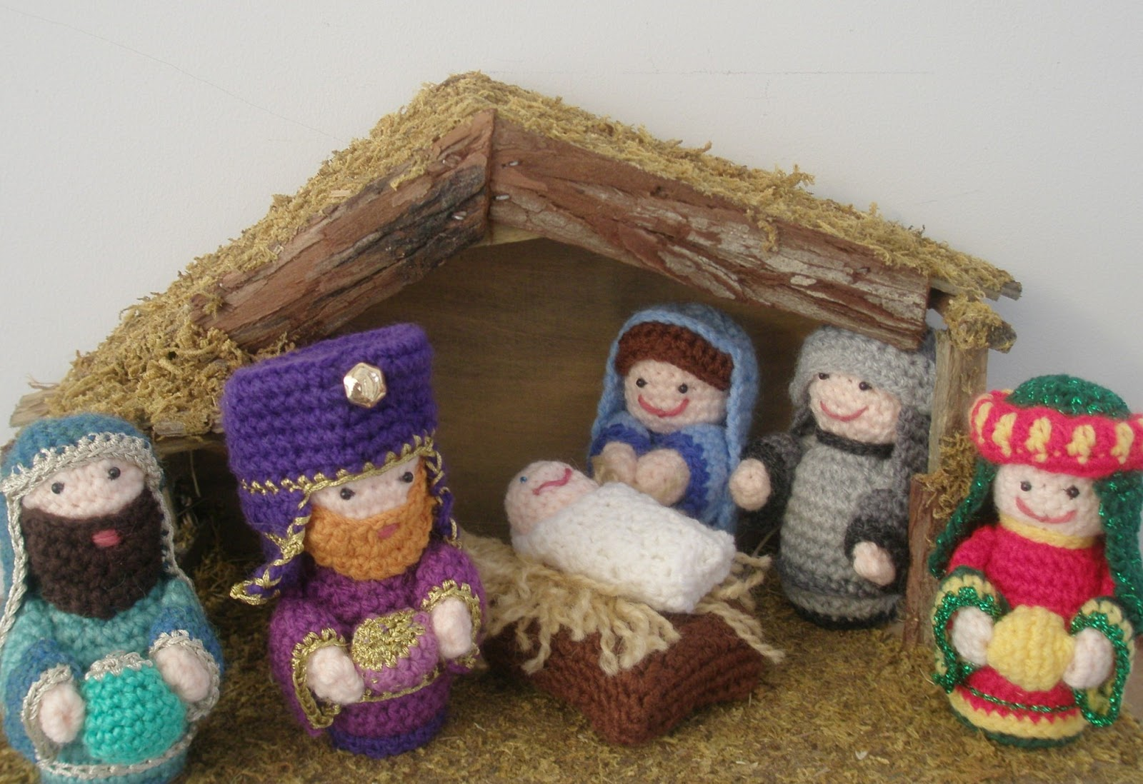 Crochet Patterns Nativity Scene : A Ray of light and a crochet nativity Finale! Lazy Daisy ...