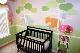 dormitorios de bebé con mucho color