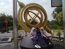 tiMe At pusat sainS * g0 KL * hahaXx  :))