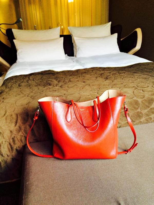 Noch mehr rote Taschen
