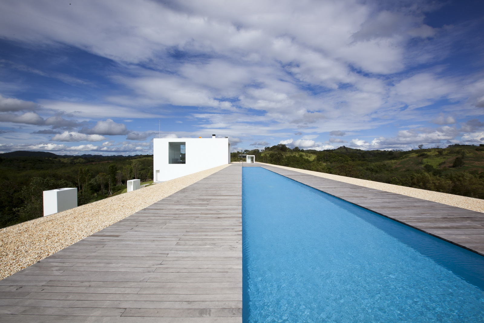 The White House Swimming Pool Small Modern And Minimalist Houses