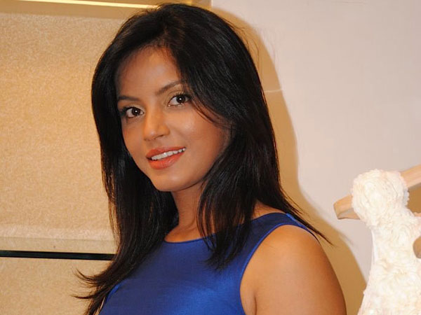 Neetu Chandra Hot Stills