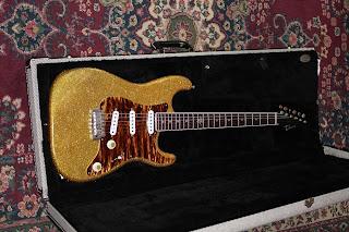 Thorn Custom Guitars SoCal R/S Gold Sparkle