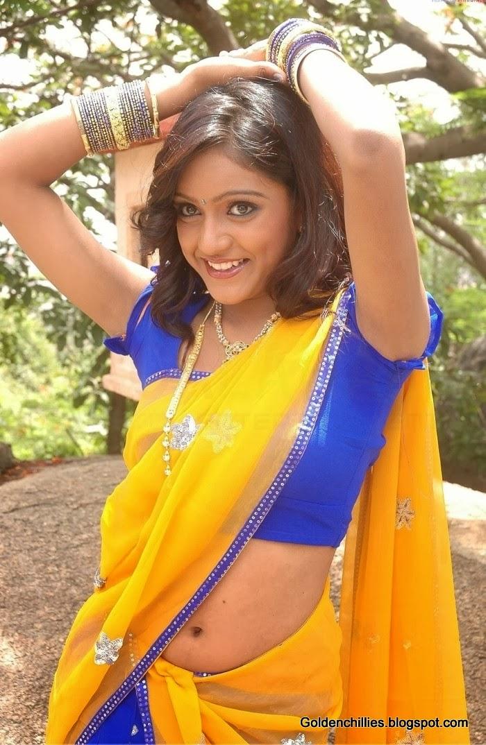 hottest unseen half saree photos of Indian actress