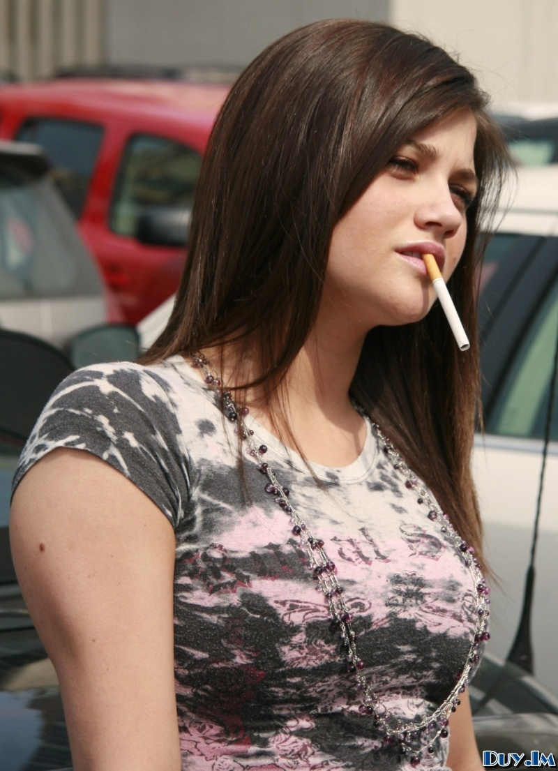 Pictures of beautiful women smoking