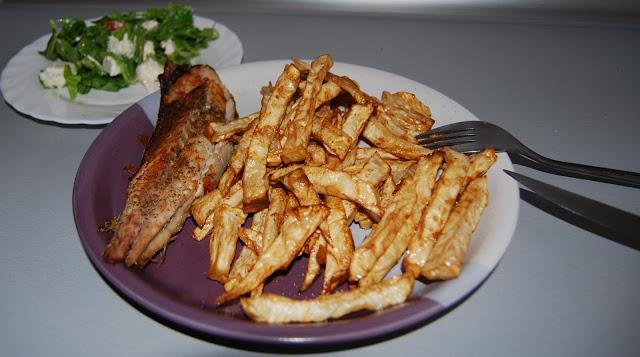 wędzona makrela z pieca i selerowe frytki