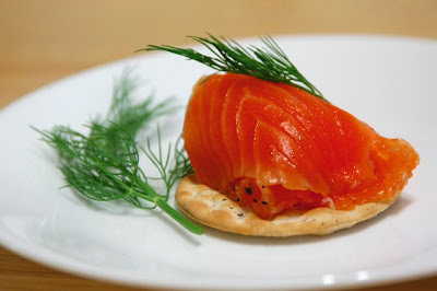 http://lavrentieva-kitchen.blogspot.ru/2013/08/salmon-gravlax-with-cognac.html#axzz2ofgnX98t