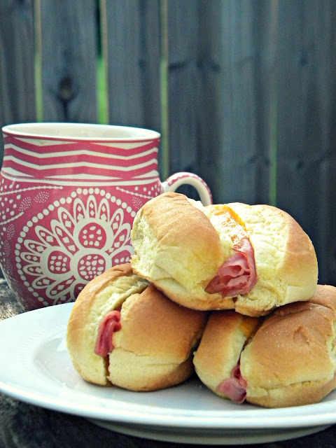 Ham & Cheese Breakfast Rolls via @labride