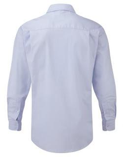 Detalle de la Camisa Oxford que muestra la parte posterior de la prenda