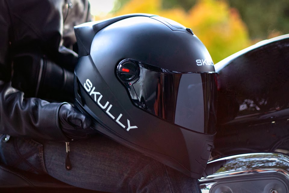 Skully Helmets | Heads Up Display Helmet | Skully Helmet features | Skully Helmet Specs | Skully Helmet price | Skully Helmet Video | Skully Helmet in action