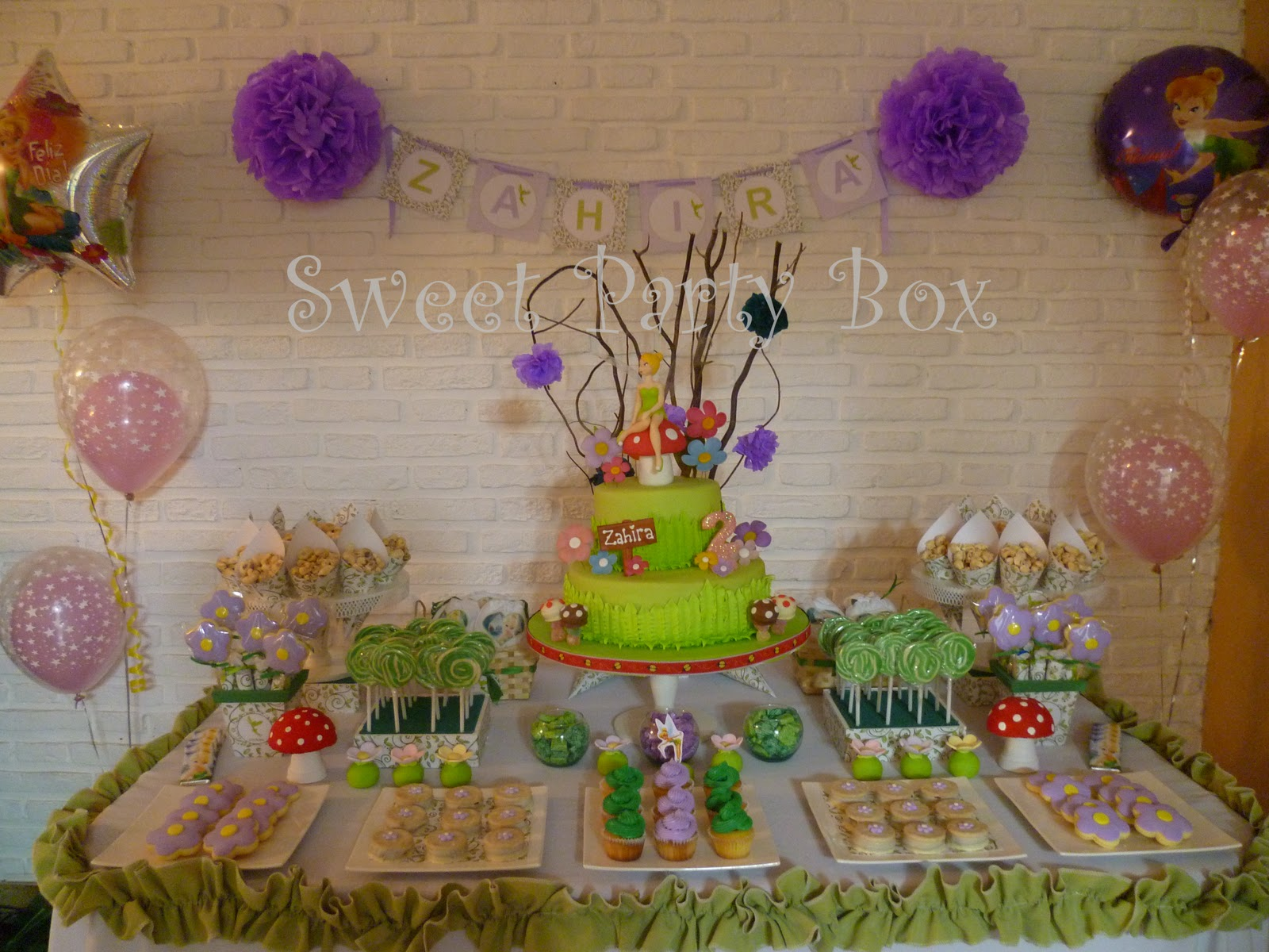 Sweet party box tinkerbell party zahira cumple sus 2 a itos - Decoracion de bares tematicos ...