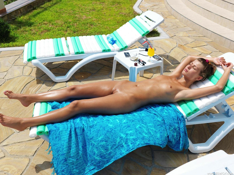 Mz booty naked pics