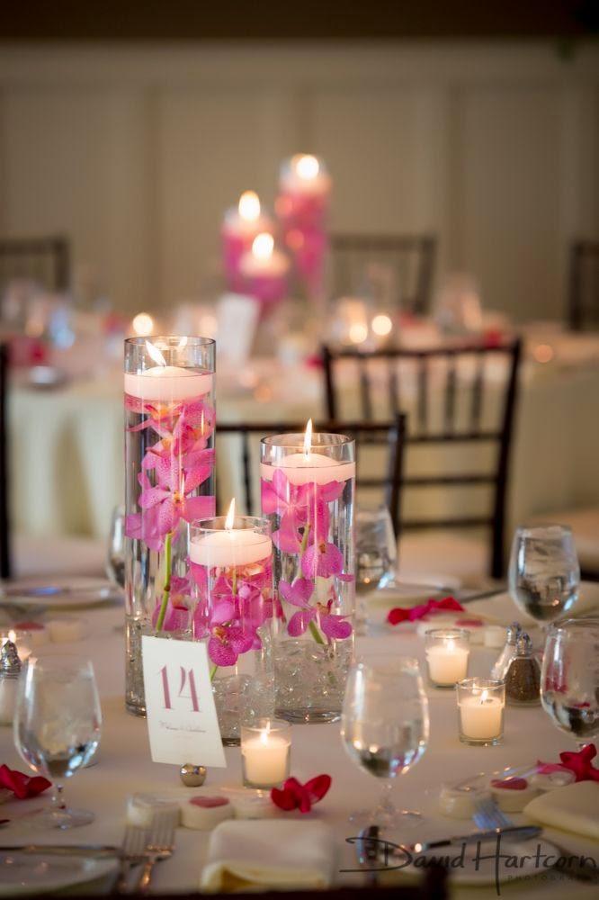 17 centros de mesa para bodas con velas flotantes for Mesa cristal y dorado