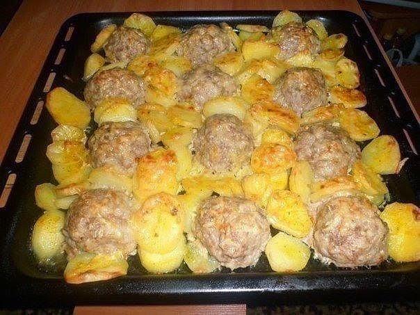 Фарш с картошкой и луком в духовке