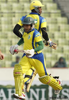 Mushfiqur Rahim and Marlon Samuels
