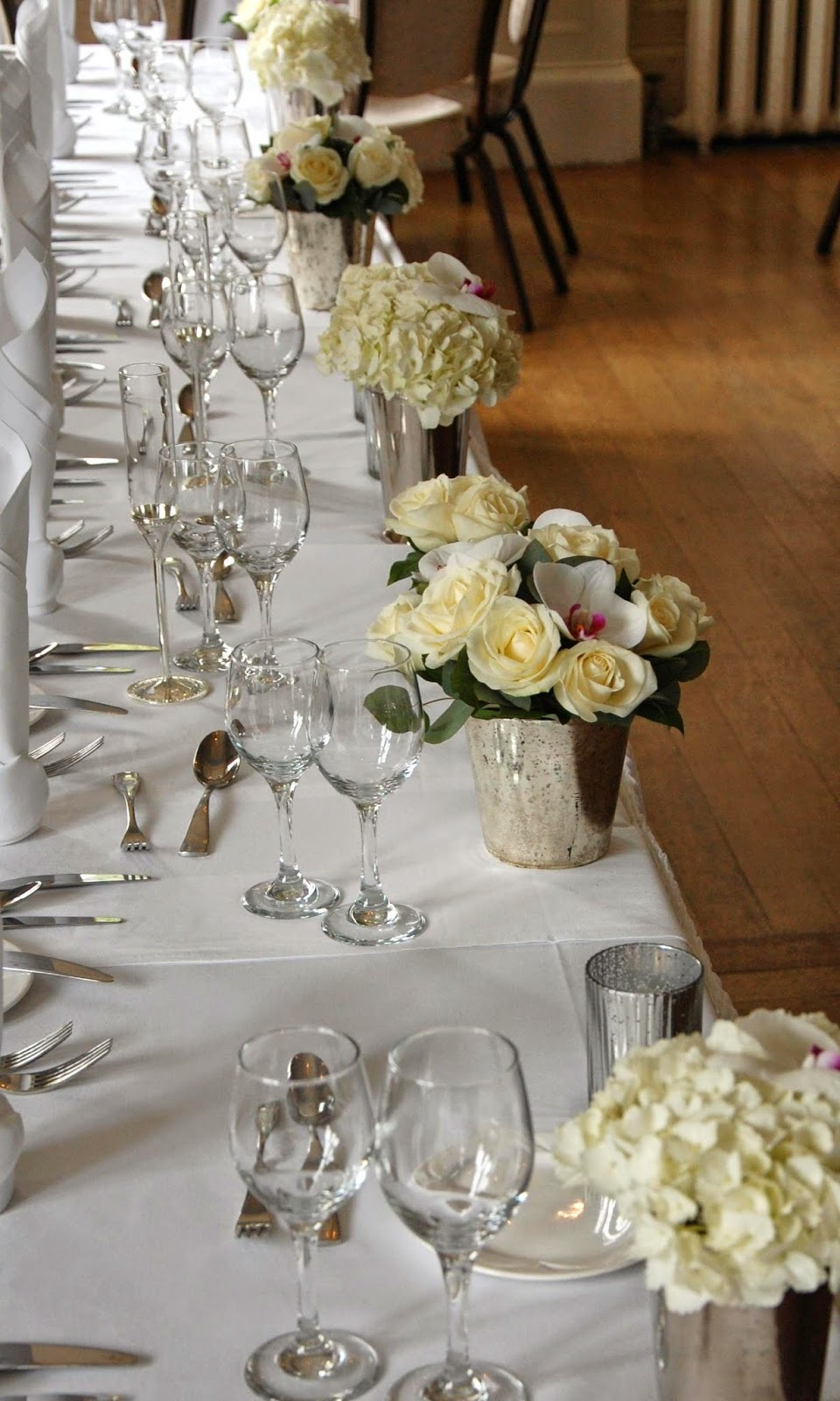 Mood Flowers Glasgow Wedding : Last weekend we designed wedding flowers at solsgirth