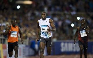 ATLETISMO-Bolt domina sin espectáculo e Isinbayeva igual