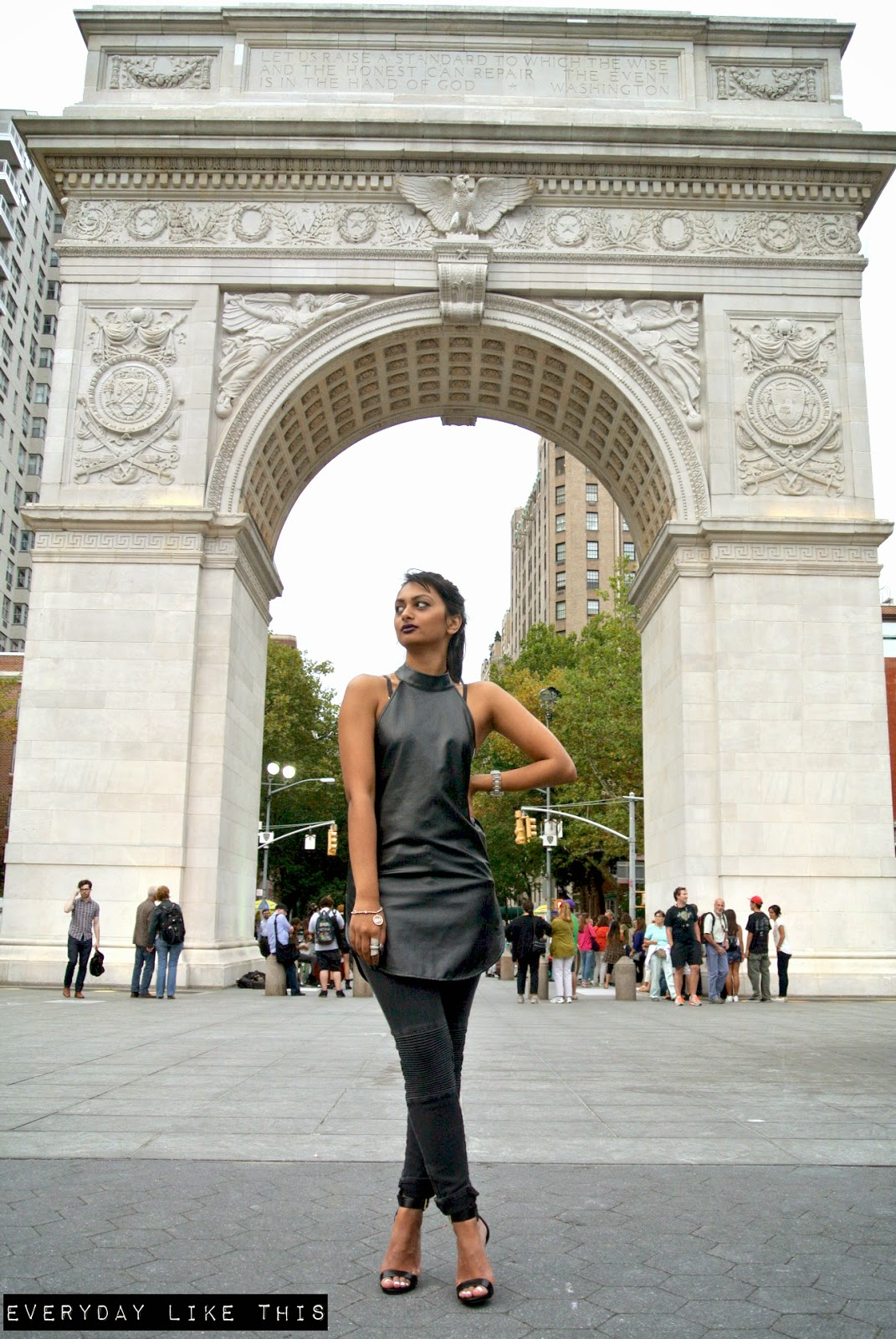 washington sqaure park new york street style nyc nyfw ootd fashion blogger nightwalker biker jeans zara steve madden everyday like this