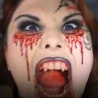 chica maquillada de vampiresa de victoria frances