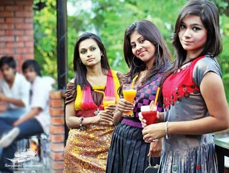 Bangladeshi Private University Girls