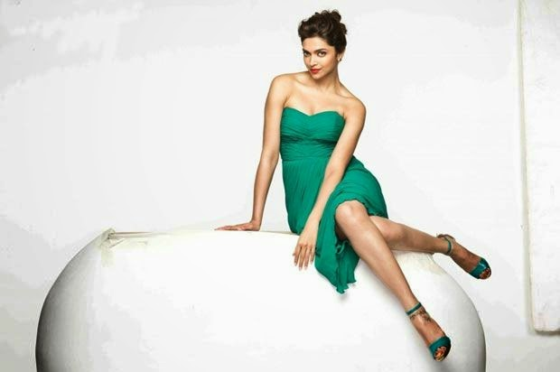 Finding Fanny Movie Romantic Wallpaper : Deepika Padukone Hot HD Wallpapers