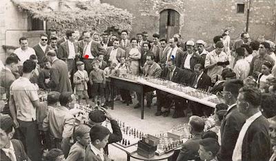 Más simultáneas de ajedrez en Castellar de N'Hug en 1957