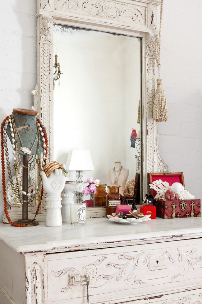 Interior design chatter pretty dressing tables for Pretty html table