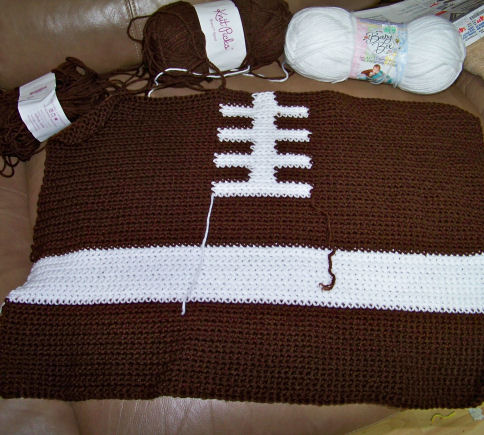 Crochet Pattern For Football Blanket : The Crochet Cabana Blog: football ghan