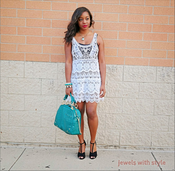 jewels with style, crochet dress, white summer dress, monica warren, blog lessons, black fashion blogger, fashion blogger tips, alice and olivia purse, green tote purse