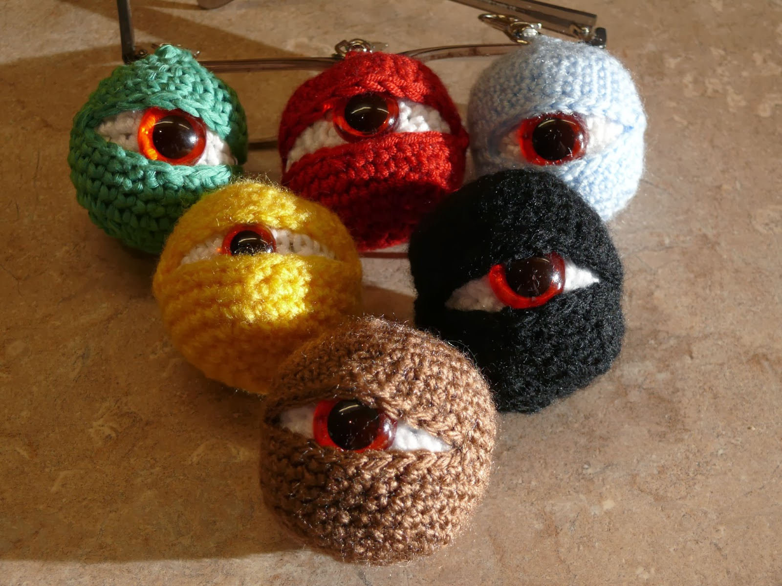 Crochet Eyes : Crochet eyes, spinning and enormous doilies!