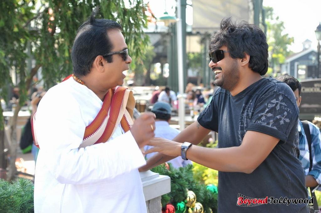 tollyimages145: Allu Arjun - Iddarammayilatho New Working ...