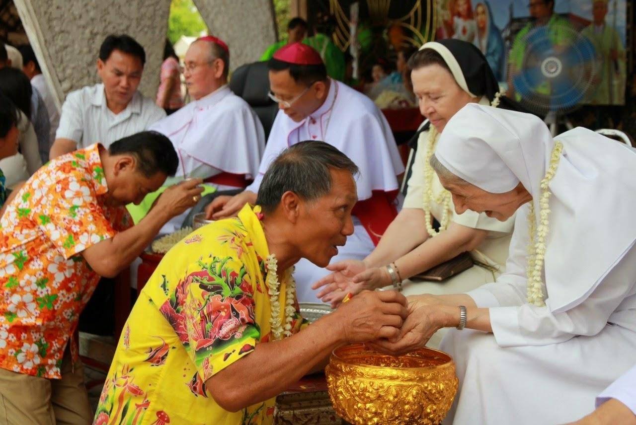 Songkran y obispos