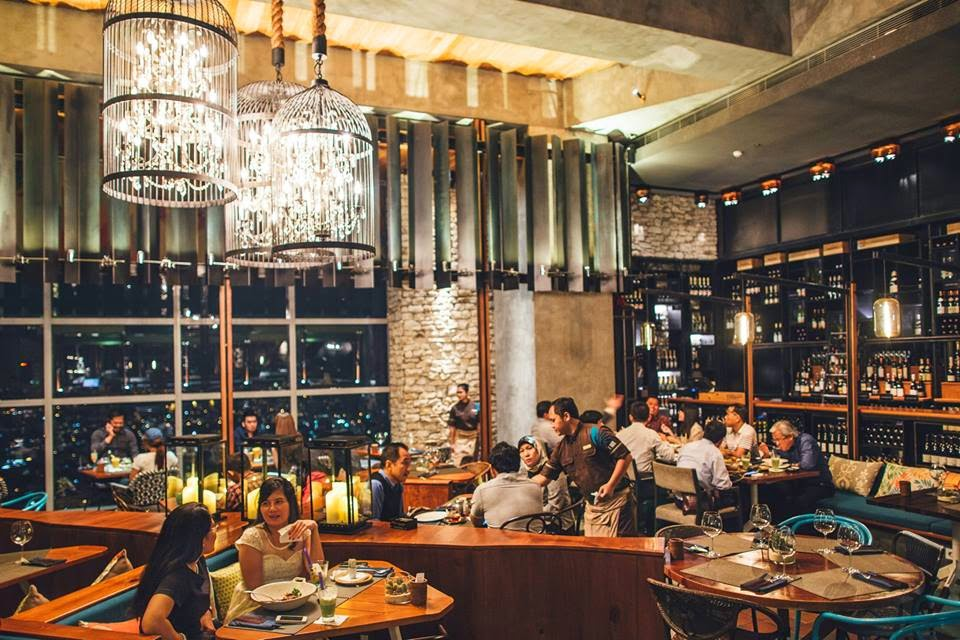 Cloud Living Room Jakarta top 10 best bars in jakarta | jakarta100bars nightlife reviews
