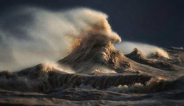 Montanhas líquidos - As poderosas ondas de Lake Erie fotografados por Dave Sandford