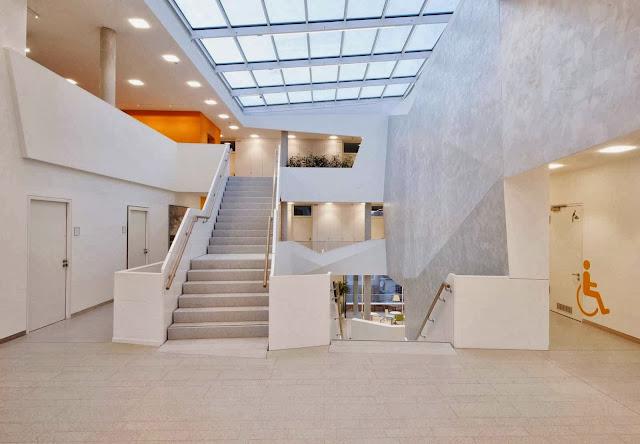 06-Bad-Aibling-City-Hall-by-Behnisch-Architekt